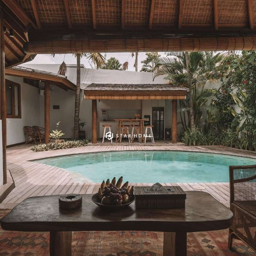 villa-dengan-design-tropical-di-canggu-1